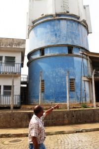 O taxista Zé Francisco conta sobre a Caixa D'Água da cidade
