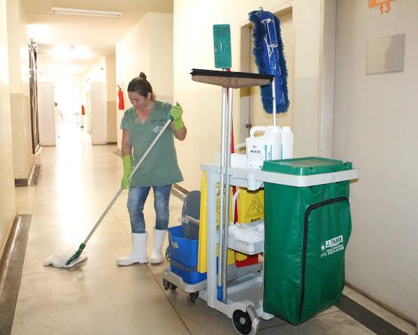 Limpeza Banheiro Hospitalar : Servi?o de higiene e limpeza do hospital frei gabriel se