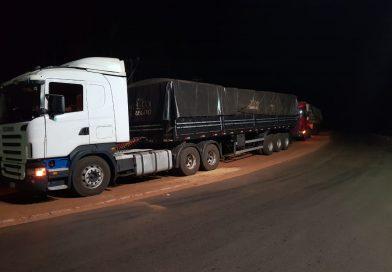 Criminosos rendem motorista e roubam carreta com quase 32 toneladas de arroz na LMG-799 em Conceição das Alagoas