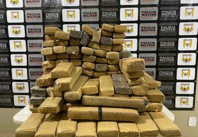 Mais de 130 tabletes de maconha são apreendidos na MG-427